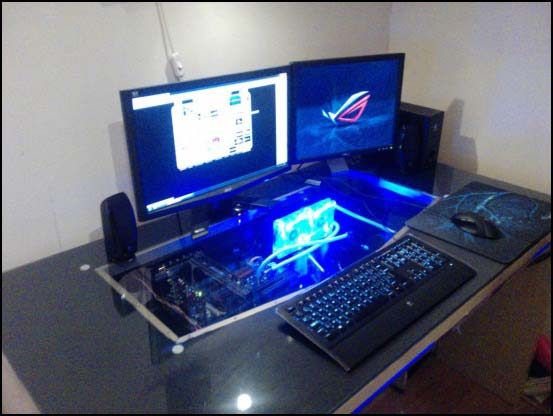 P2223 04 12 12 550x (Other Desk Builds)
