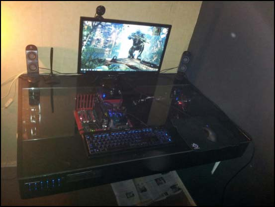 904445 594186557259811 1795562804 o 550x (Other Desk Builds)