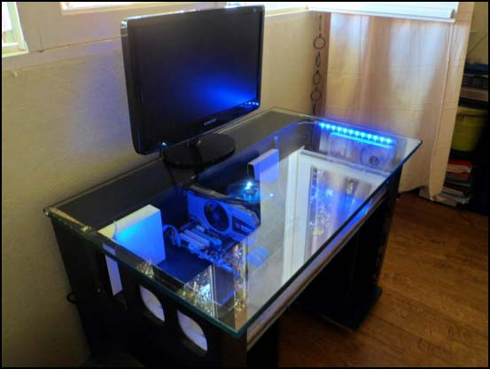 903064 117048488494671 1238131751 o 550x (Other Desk Builds)