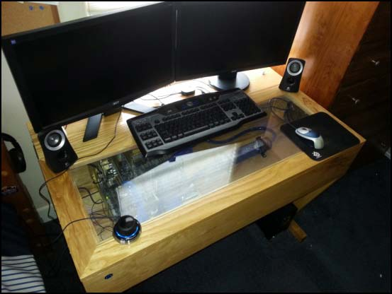 2013 08 22 10 38 38 550x (Other Desk Builds)